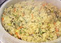 お米はガス釜でふっくらと炊き上げています